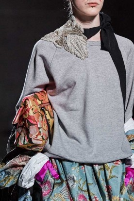 Dries Van Noten - Sweat...